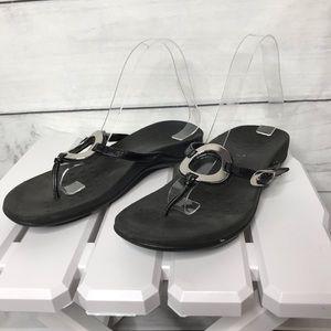 Vionic Karina black leather thong sandals 7